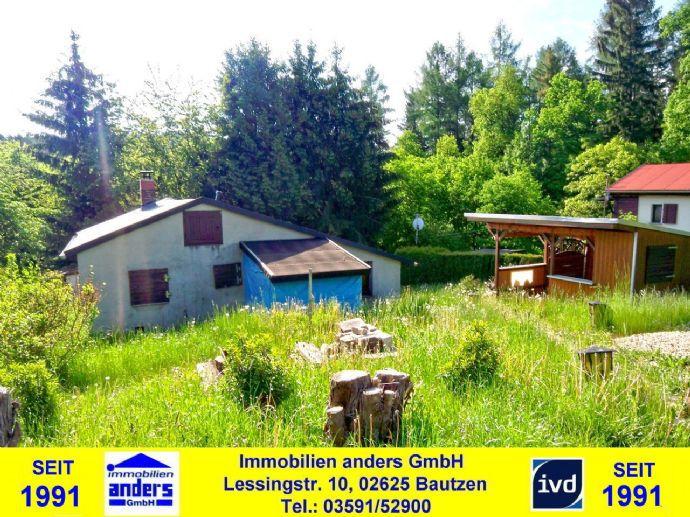 Teilmod. Wochenendhaus mit übertachter Terrasse und PKW-SP - sehr ruhige Waldrandlage ca. 10 km südlich von Bautzen