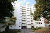 4-Zimmer-Wohnung im 6.OG  eines gepflegten Mehrfamilienhauses mit 2 Balkonen