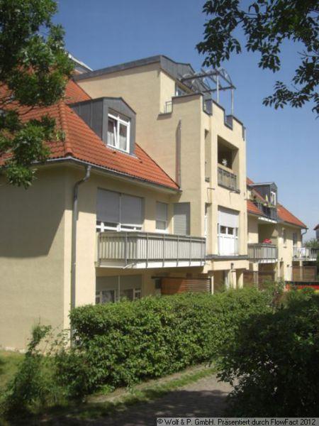 DD-Weißig, 2-Zi-DG-Wohnung mit Balkon u. EBK